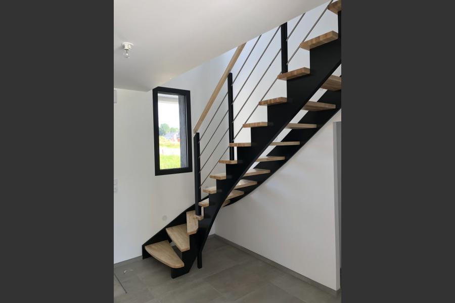 Particulier a laval (53) - traitement de l'escalier